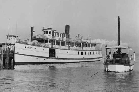 """Calista (steamboat)"" by Source. Licensed under Fair use via Wikipedia - https://en.wikipedia.org/wiki/File:Calista_(steamboat).jpeg#/media/File:Calista_(steamboat).jpeg"