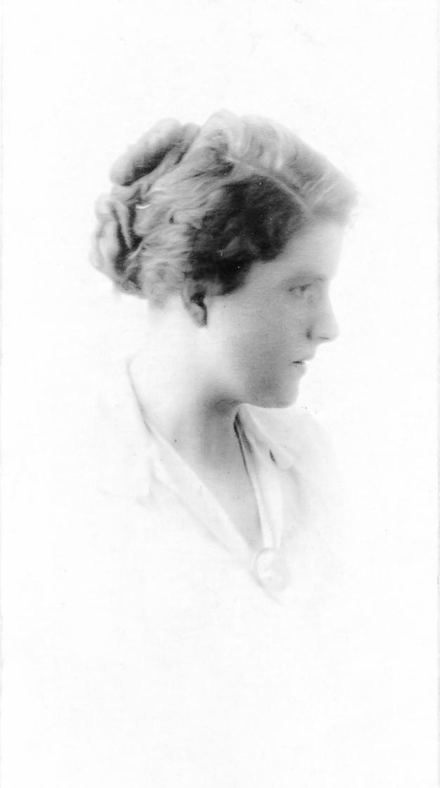 Julia Mackie
